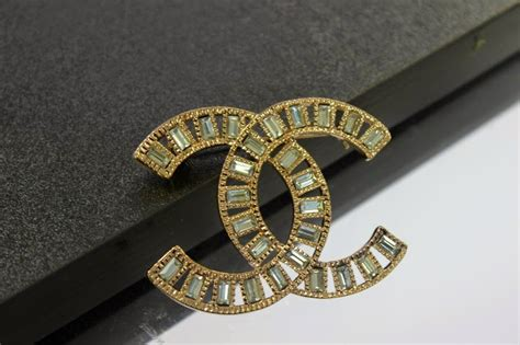 #MyStyle   A Chanel Vintage Brooch